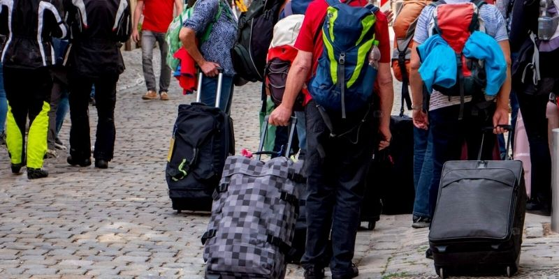 Best Luggage Sets For Families To Buy