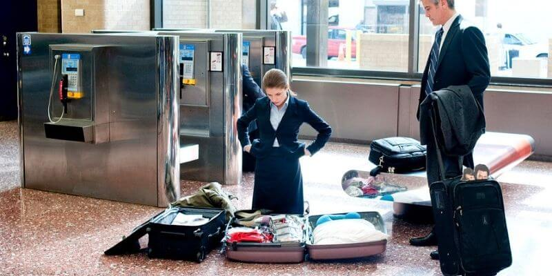 how to weigh luggage without a scale